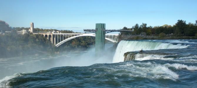 США – подорож ціною в MacBook: Ніагарський водоспад
