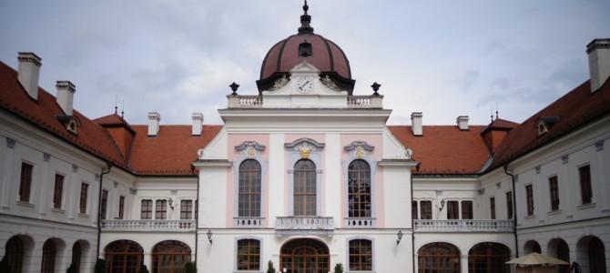 Угорщина: рожева велич Гьодоле і п'янкий післясмак Егера